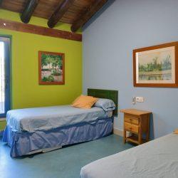 Dormitorio triple Casa rural Madre del Agua